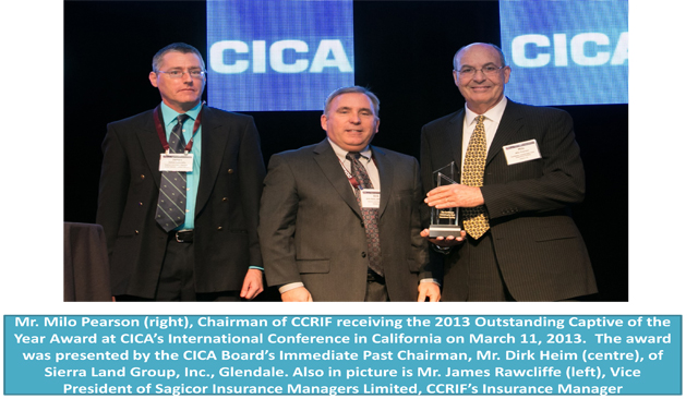 CCRIF Chairman receiving the 2013 Outstanding Captive of the Year Award